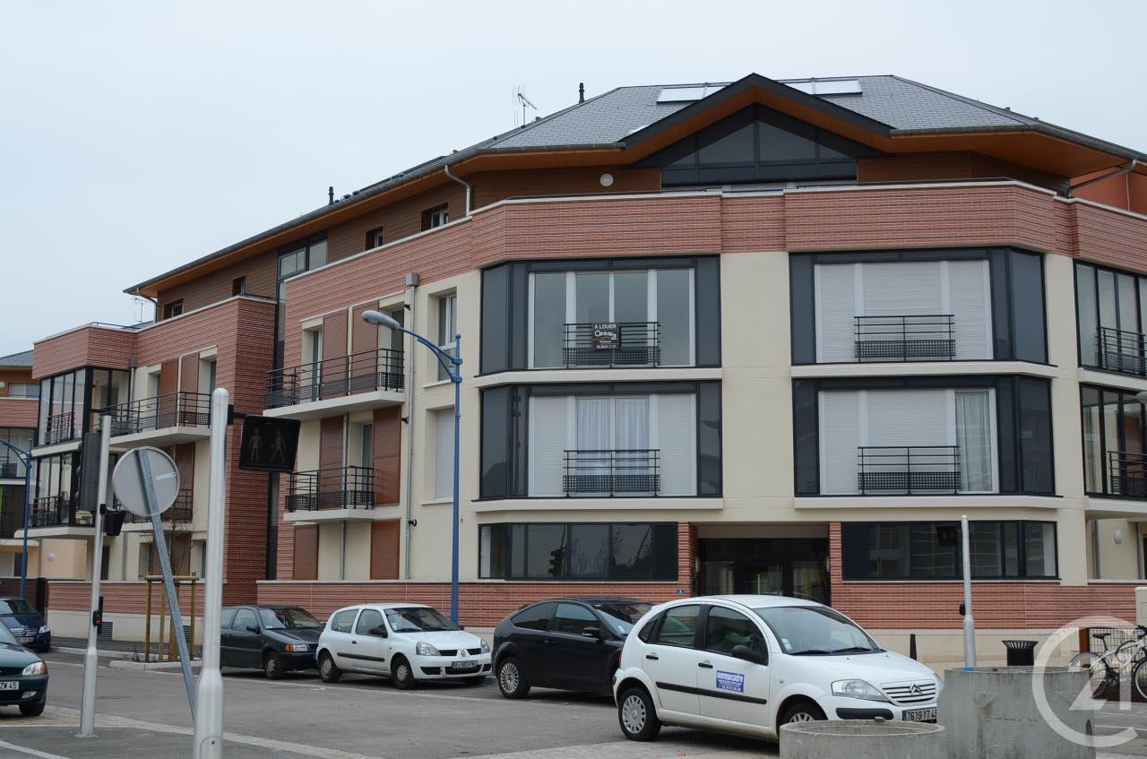 appartement f3 louer 3 pi ces 63 m2 fleury les aubrais 45 centre. Black Bedroom Furniture Sets. Home Design Ideas